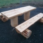 stůl a lavice